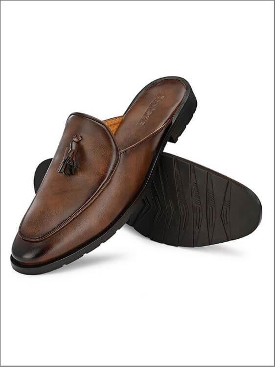 best ethnic footwear for men